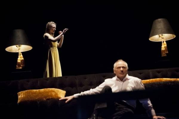 Fjorenca-lietuvisko-teatro-depresijos-zenklas_imagelarge