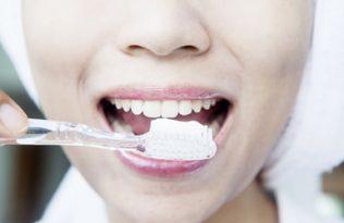 dantu-protezai-kaip-juos-priziureti