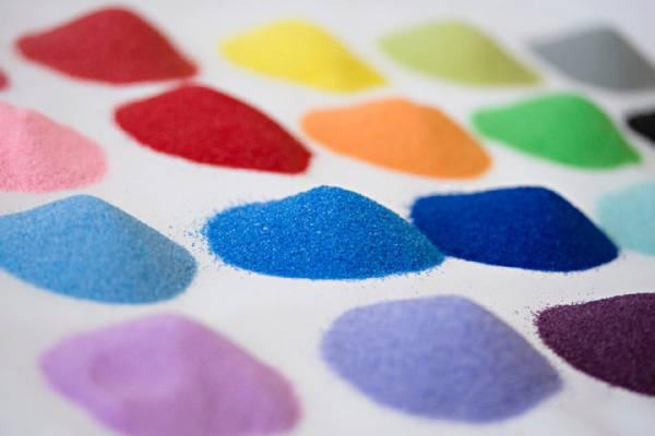piesimas-spalvotu-smeliu-tai-puiki-terapine-priemone-ir-patiems-maziausiems-vaikams-nuo-3-metu-ir-suaugusiems