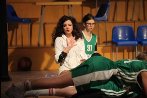 nacionalinio-kauno-dramos-teatro-scenoje-vienas-labiausiai-aptariamu-spektakliu