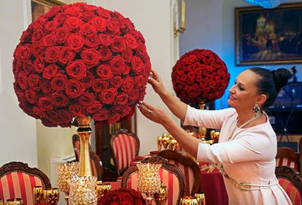 i-budrienes-kvietimu-i-lietuva-pasidalinti-patirtimi-atvyks-karalisku-vestuviu-dekoratores