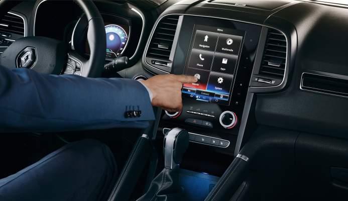 automobilio-valdymas-pirstu-galiukais-jau-dabartis