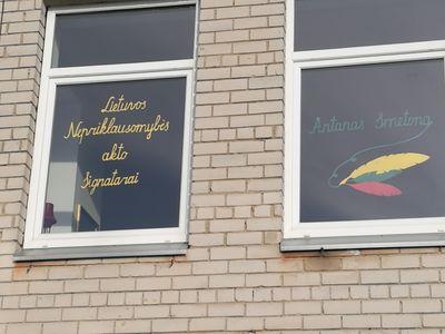 Gimnazijoje pagerbti Lietuvos Nepriklausomybės akto Signatarai