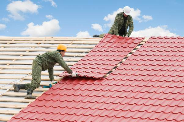 ar-jums-reikia-uzdengti-nauja-namo-stoga-ar-suremontuoti-sena-stoga