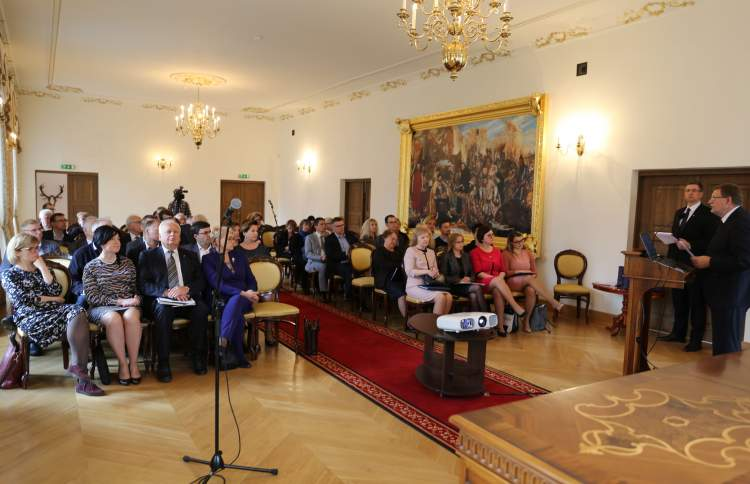 https://www.kaunieciams.lt/wp-content/uploads/2018/04/raudondvaryje-siulymai-tobulinti-mokesciu-politika.jpg