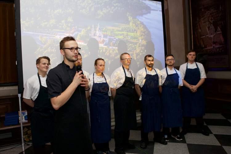 https://www.kaunieciams.lt/wp-content/uploads/2018/04/treciadienio-vakara-vienoje-graziausiu-vietu-lietuvoje-pazaislio-vienuolyne-kviestinei-publikai-pirma-karta-lietuvoje-buvo-pristatytas-daugiau-nei-metus-brandintas-ir-kurtas-gastronominis-projektas.jpg