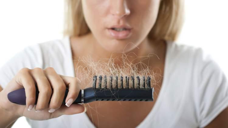 https://www.kaunieciams.lt/wp-content/uploads/2018/08/ir-moterys-plinka-plauku-slinkimas-kartais-tampa-liga-kuria-butina-gydyti.jpg