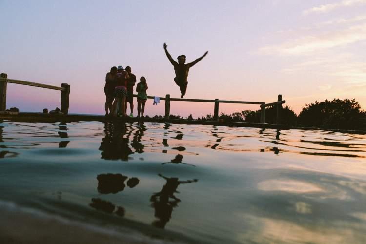 https://www.kaunieciams.lt/wp-content/uploads/2018/08/kad-atostogos-prie-vandens-neapkarstu-vaistininko-patarimai.jpg