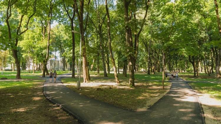 kaune-tesiasi-rekonstrukciju-darbai-atejo-eile-ramybes-parkui