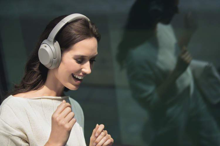 naujosios-sony-ausines-dar-geresnis-triuksmo-slopinimas