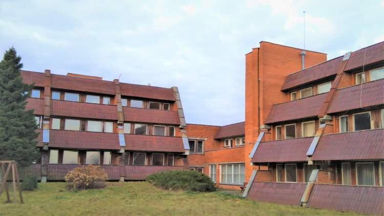 kauno-rajone-turto-bankas-parduos-du-buvusios-sanatorijos-pastatus-ir-du-zemes-sklypus