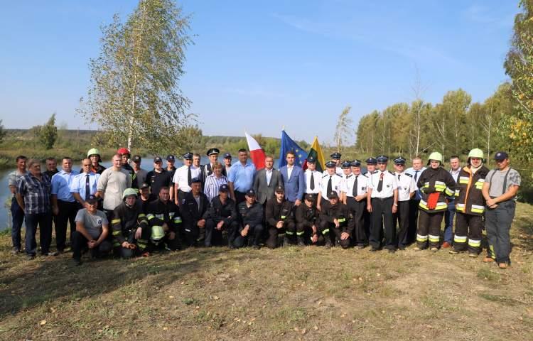 kauno-rajono-ugniagesiams-atsistoti-ant-koju-padejo-kolegos-lenkai