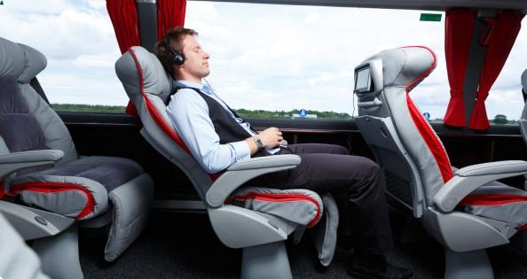 verslininkai-automobilius-keicia-i-autobusus
