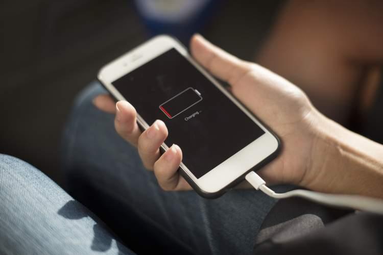 https://www.kaunieciams.lt/wp-content/uploads/2018/10/ekspertai-mariname-telefonu-baterijas-ir-rizikuojame-savo-saugumu.jpg