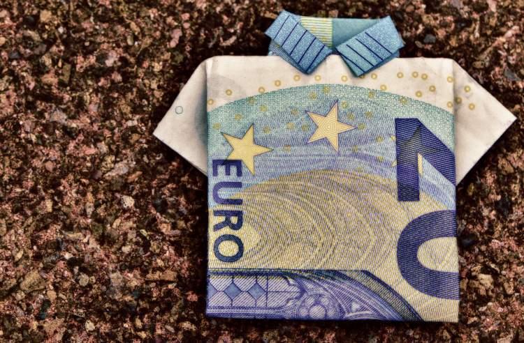 lietuviu-prioritetu-tyrimas-noretu-taupyti-bet-pinigus-isleidzia-pragyvenimui