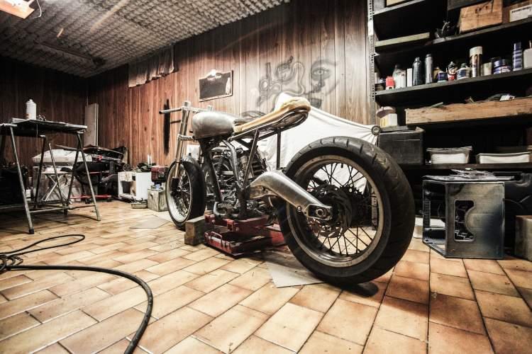 https://www.kaunieciams.lt/wp-content/uploads/2018/11/gefco-su-partneriais-ieskos-motociklu-stovu-sekimo-sprendimo.jpg