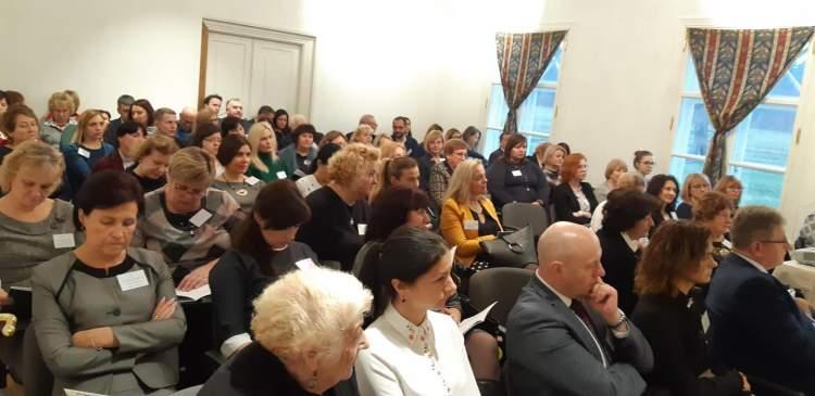 https://www.kaunieciams.lt/wp-content/uploads/2018/11/kauno-rajone-vaiku-ir-jaunimo-sveikata-ateities-kartu-sveikatos-garantas.jpg
