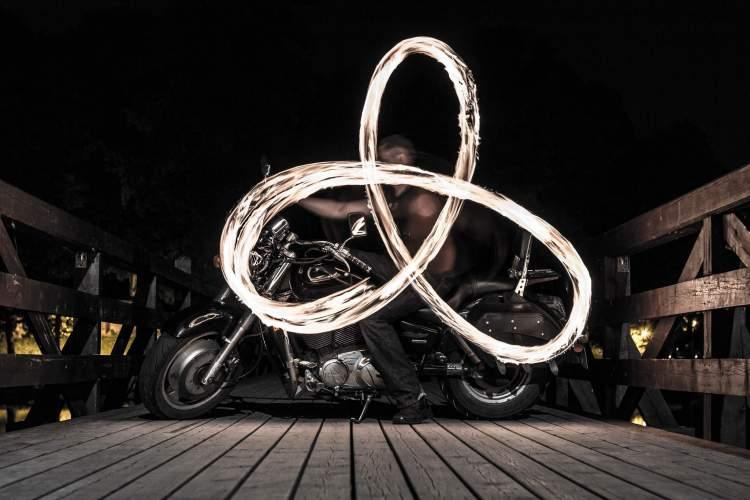 fire-motor-show-ekstremali-kauniecio-ideja-traukianti-ziurovus