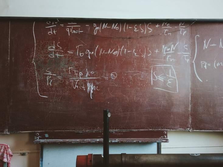 https://www.kaunieciams.lt/wp-content/uploads/2019/01/matematikos-dirbtuves-kaune-spres-verslo-ir-pramones-imoniu-problemas.jpg