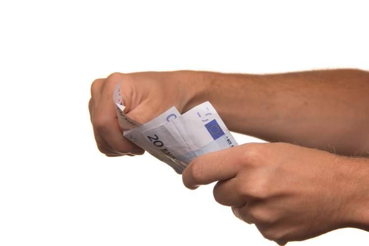 tyrimas-skolintis-ketina-daugiau-nei-puse-lietuvos-gyventoju