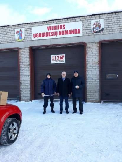 https://www.kaunieciams.lt/wp-content/uploads/2019/02/kauno-rajone-dumu-detektoriu-dalijimo-akcija-gyvenk-saugiai.jpg