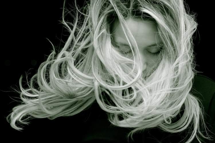 plauku-reabilitacija-kaip-iki-pavasario-sugrazinti-plaukams-sveika-isvaizda