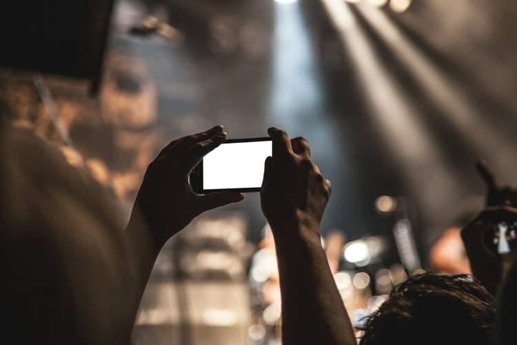 top-laukiamiausi-2019-m-ismanieji-telefonai