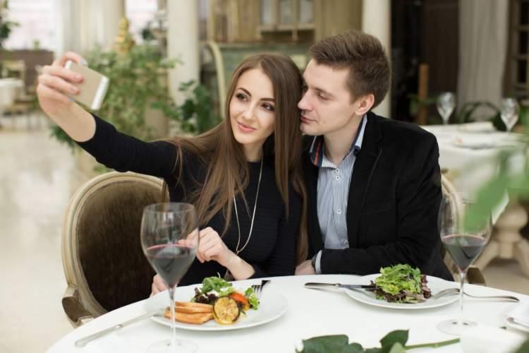 https://www.kaunieciams.lt/wp-content/uploads/2019/02/valentino-diena-restoranu-rezervacijos-musa-metu-rekordus.jpg