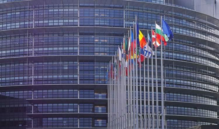 https://www.kaunieciams.lt/wp-content/uploads/2019/04/gajausi-mitai-apie-es-autoriu-teisiu-direktyva.jpg