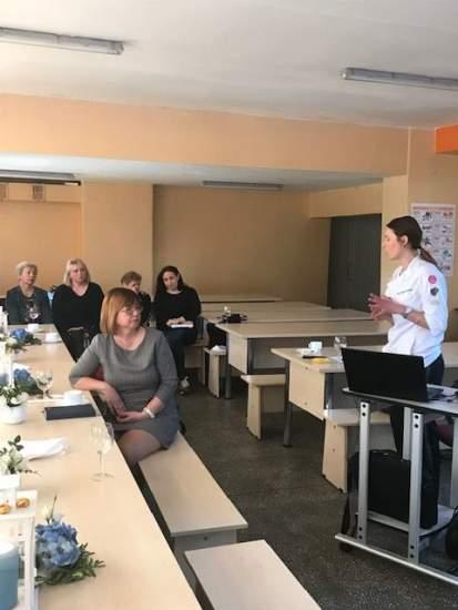 https://www.kaunieciams.lt/wp-content/uploads/2019/04/kauno-rajono-gimnazijoje-sveiko-maisto-ruosimo-pratybos.jpg