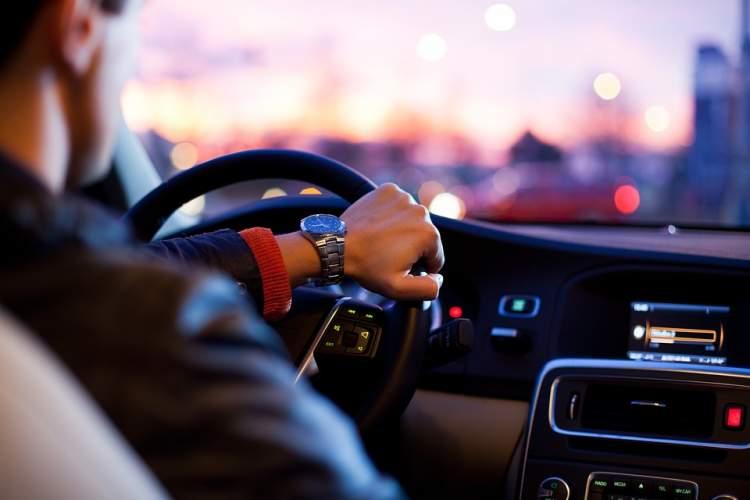 https://www.kaunieciams.lt/wp-content/uploads/2019/05/5-mitai-apie-automobiliu-sauguma-kuriais-zmones-dar-patiki.jpg