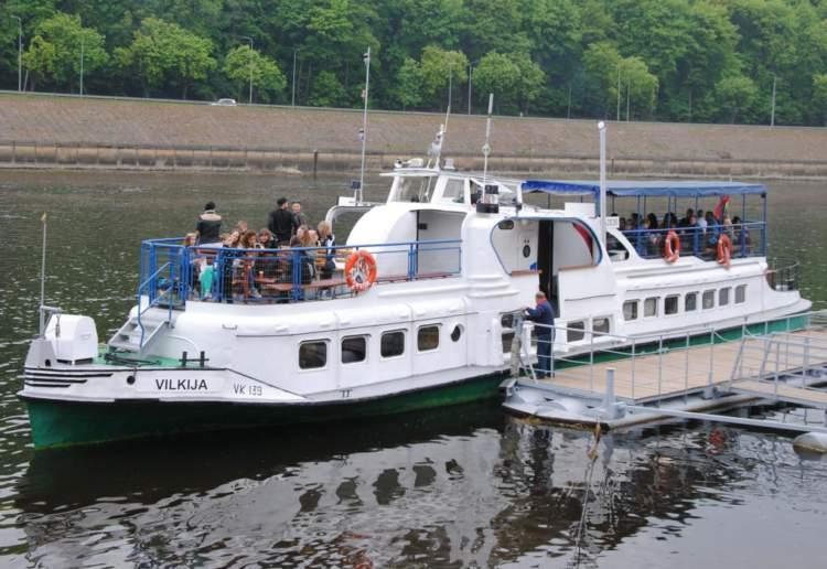 https://www.kaunieciams.lt/wp-content/uploads/2019/05/birzelio-1-diena-i-pirma-reisa-kaunas-vilkija-kaunas-isplauks-laivas-vilkija.jpg