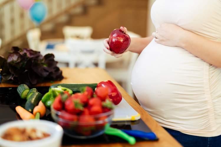 vitaminai-ir-mikroelementai-ne-tik-busimoms-mamoms-bet-ir-vaisiui